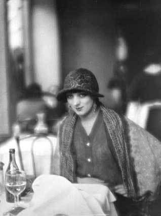 1923 -2